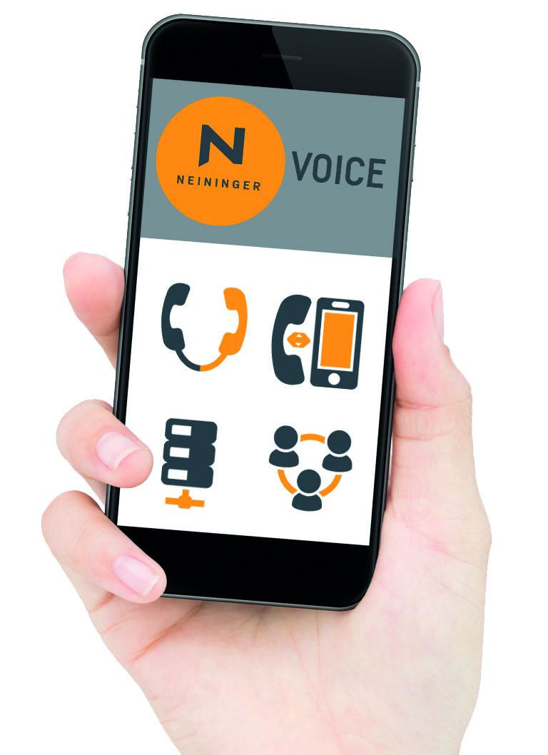Neininger VOICE - Frau mit Handy in der Hand