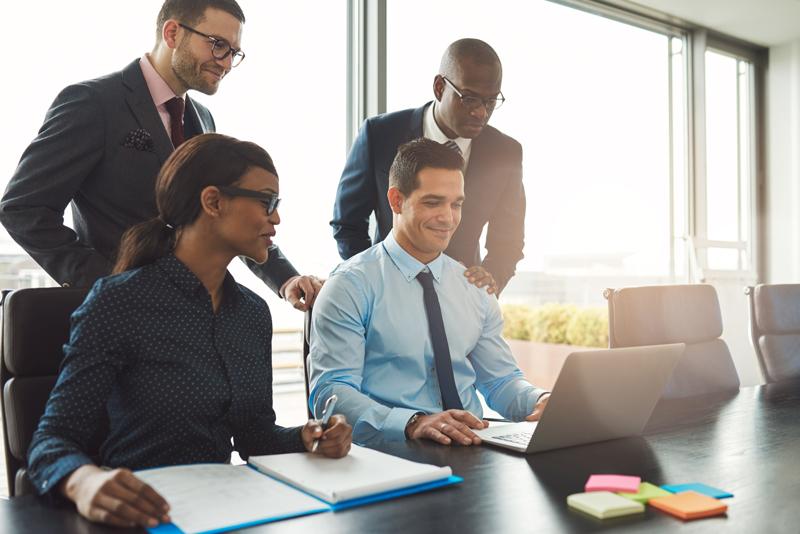 Geschäftsleute Digitalisierungsförderung Plus